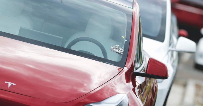 Auto elettrica, il Ceo di Toyota si mangia il fegato e spara a zero. Ma le sue parole non attaccano