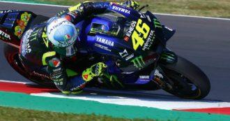 Valentino Rossi, ora è ufficiale: resta un altro anno in MotoGp, correrà nel team Petronas
