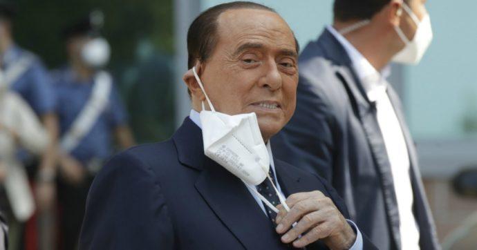 """Berlusconi """"chiede di essere di nuovo ricoverato. Ancora positivo ad Arcore, non può incontrare nessuno"""""""
