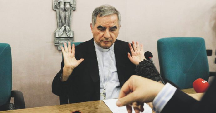 """Cardinale Angelo Becciu, la nuova accusa: """"Ha offeso il Re"""", ovvero Papa Francesco che è monarca assoluto dello Stato Vaticano"""