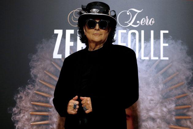 Renato Zero 70, buon compleanno a chi da solo inventò il futuro