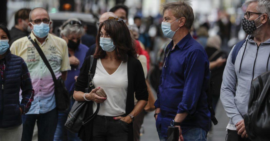 """Coronavirus, Spagna prima in Europa per numero di contagi. Scattano restrizioni in Francia. Medico a Marsiglia: """"Costretti a scegliere chi ricoverare"""""""