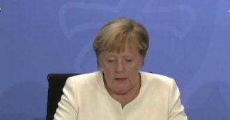 """Coronavirus, Merkel annuncia il lockdown soft per tutta la Germania: """"Misure pesanti per prevenire emergenza nazionale"""""""