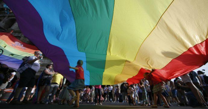 """La decisione dell'Aifa: i farmaci ormonali per le persone trans ora saranno gratuiti in tutta Italia. Arcigay: """"Una rivoluzione"""""""