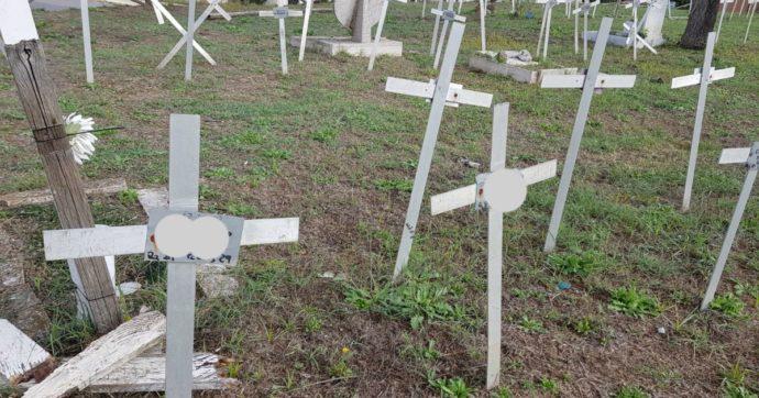 """Cimitero dei feti, il Campidoglio annuncia che cambierà la norma per rispettare la privacy: """"Un codice al posto del nome delle donne"""""""