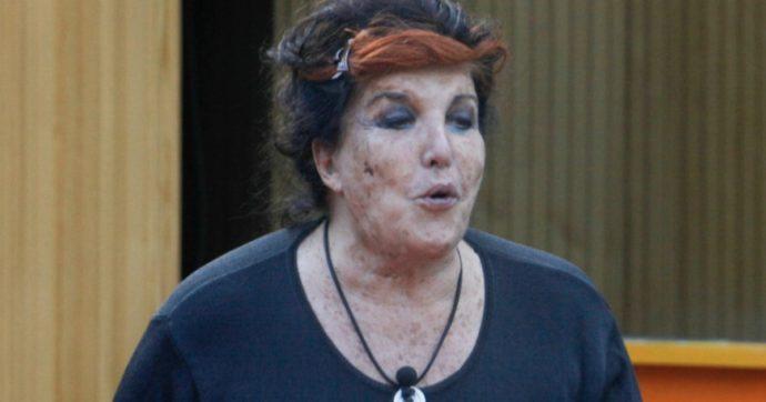 """Grande Fratello Vip, Patrizia De Blanck urla: """"Quella pu****a della Salemi? Ma sei scema, cretina"""". La regia le stacca l'audio"""