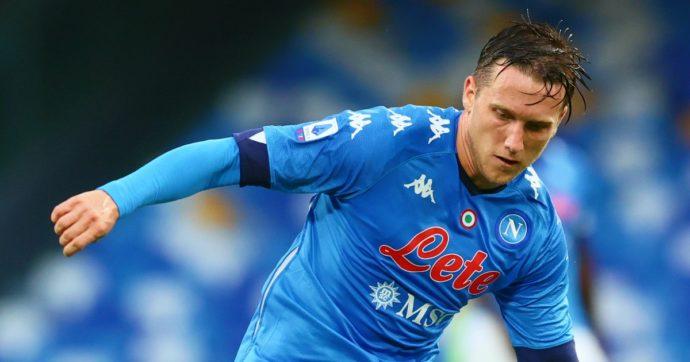 Positivo il centrocampista del Napoli Zielinski. E nel Genoa contagiati altri due calciatori