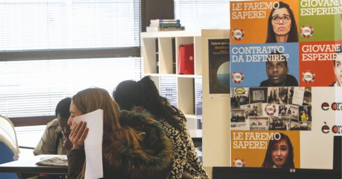 Stage, con il Covid dimezzate le opportunità d'ingresso nel mercato del lavoro per i giovani