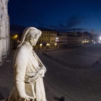 Firenze, piazza Santa Croce, statua di Dante