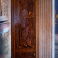 Firenze, Palazzo Vecchio, porta lignea con incisione del Sommo Poeta su disegno di Sandro Botticelli.