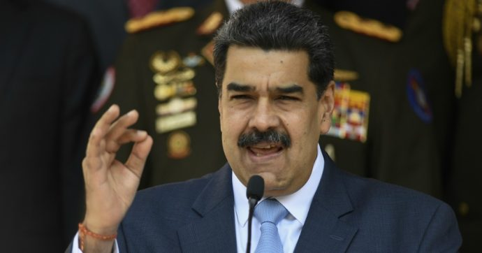 Coronavirus, il vaccino Sputnik V è 'atterrato' in Venezuela. Ma c'è molto altro dietro