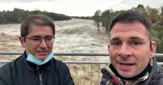 """Maltempo in Piemonte, i due sindaci in una diretta Facebook poco prima del crollo: """"Riapriamo il ponte di Romagnano Sesia"""""""
