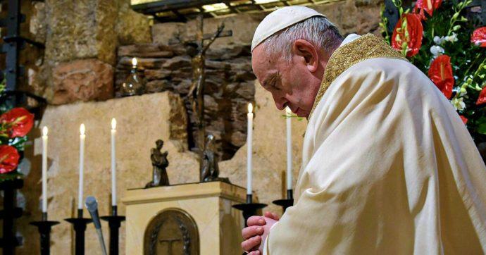 """Natale, il monito di Papa Francesco: """"Invece di lamentarci per le restrizioni, facciamo qualcosa per chi ha di meno"""""""