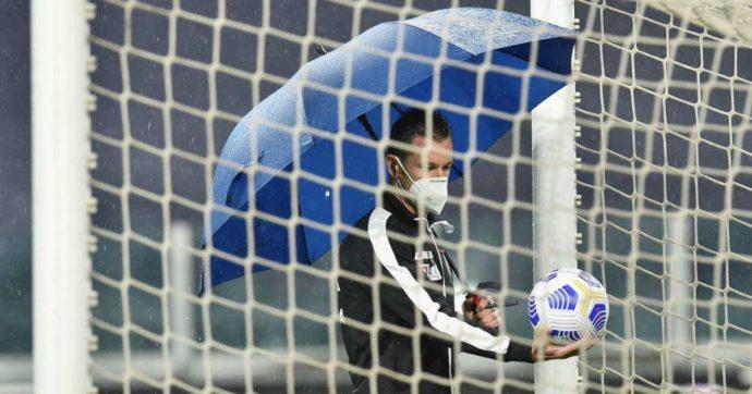 """Juve-Napoli, la surreale non partita: l'arbitro manda tutti a casa. Agnelli: """"De Laurentiis ha chiesto il rinvio, ma noi seguiamo le regole"""""""
