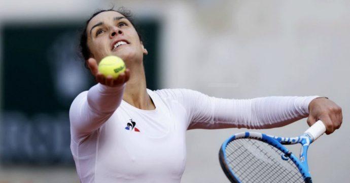 Roland Garros, Martina Trevisan ai quarti di finale. Da atleta prodigio allo stop a causa dell'anoressia: chi è la 26enne toscana