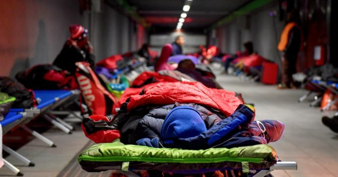 Milano, la crisi economica per il Covid aumenta i senza fissa dimora: in 314 hanno perso casa. E in 600 cercano aiuto per affitto e bollette