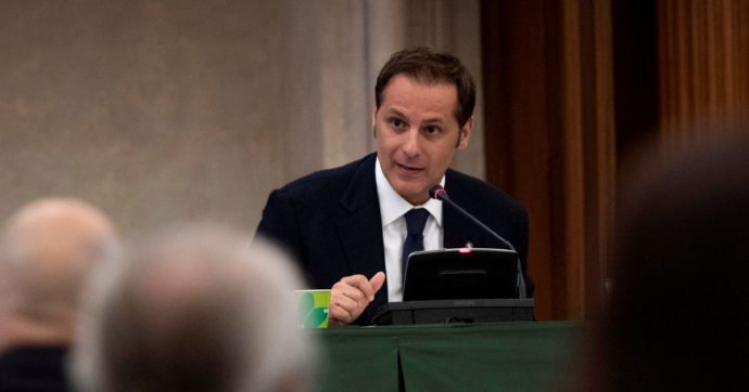 Armando Siri, la procura di Roma chiede il rinvio a giudizio del senatore della Lega per due episodi di corruzione