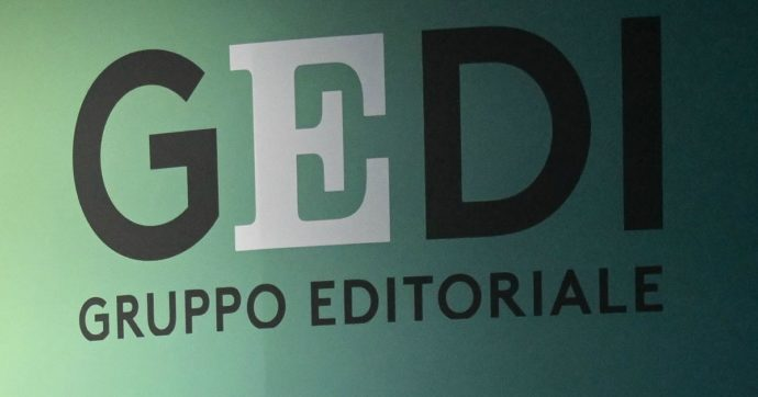 """Il gruppo Gedi (famiglia Agnelli) ufficializza la vendita de """"Il Tirreno"""" e altre tre testate locali. Ora nel mirino c'è Il Sole 24 Ore"""