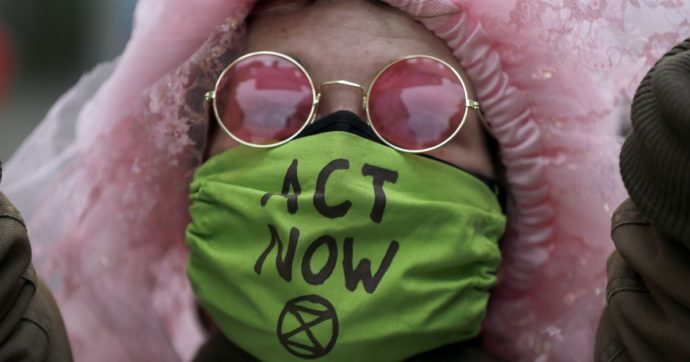Sciopero per il clima, basta col greenwashing di Eni! Mi unisco all'appello di Extinction Rebellion al ministro Patuanelli