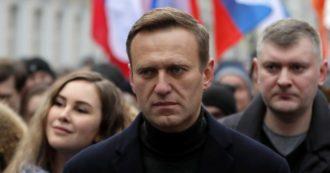 """Navalny arrestato appena atterrato a Mosca 5 mesi dopo l'avvelenamento: """"E' casa mia, non ho paura"""". Biden e vertici Ue: """"Va scarcerato"""""""