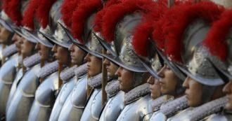 Coronavirus, quattro guardie svizzere positive in Vaticano: in arrivo il divieto di congedo per tutto il corpo