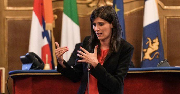 """Torino, il passo indietro di Appendino e le partite nazionali: """"Continuerò a fare politica"""". Di Maio: """"E' una risorsa per tutto il M5s"""""""
