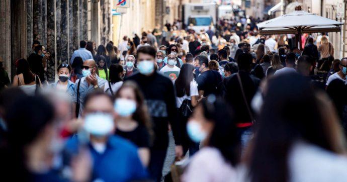 Coronavirus, gli italiani promuovono il Dpcm: 7 su 10 d'accordo con le misure del governo. Il maggiore consenso? Tra i giovani