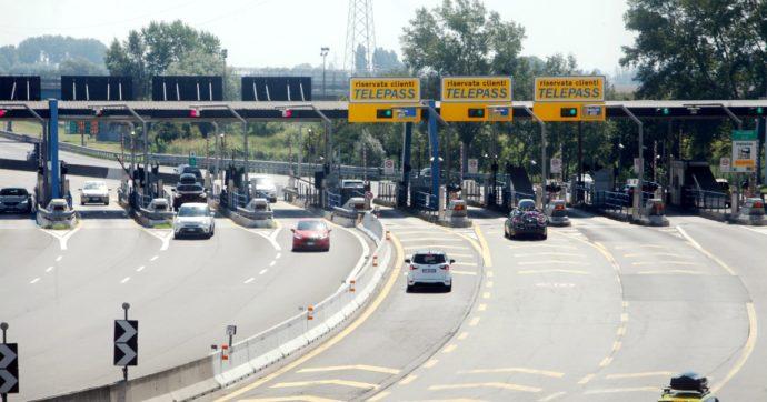 """Autorità regolazione trasporti: """"Ok ad aumenti dei pedaggi ma Autostrade chiede troppo"""". Ai Benetton fino a 3 miliardi da vendita Aspi"""
