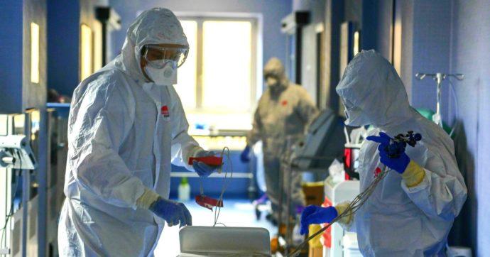 """Coronavirus, l'Italia sfonda il muro dei 10mila casi. Conte: """"Evitare lockdown, nuova ondata con strategia diversa"""""""