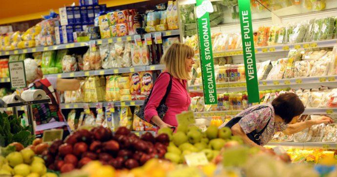 Istat: prezzi giù dello 0,7% a settembre. I cali più forti a Milano e Verona. Incubo deflazione per l'economia