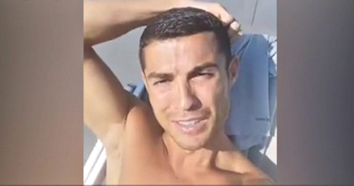 """Cristiano Ronaldo: """"Mio figlio? Mi arrabbio e ci litigo quando mangia patatine fritte"""""""