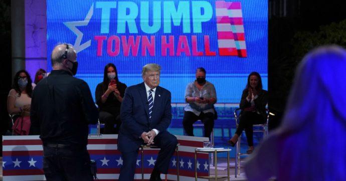Trump-Biden, scontro in tv a distanza. Dal Covid ai complottisti di QAnon: mai visto il tycoon così in difficoltà
