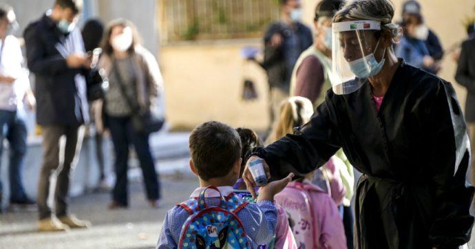 Covid, chiariamo una cosa: chiudere le scuole non serve a controllare la pandemia