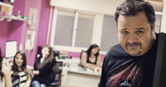 Orgia con 50 persone per girare un film hard: la polizia fa irruzione sul set