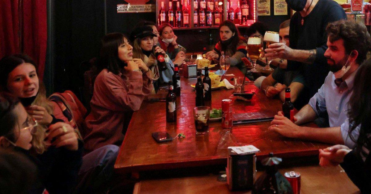 Nuovo Dpcm, i trucchi per riaprire bar e locali di notte
