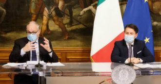 """Decreto Ristori, Conte: """"Vale oltre 5 miliardi"""". Gualtieri: """"Per i piccoli ristoranti contributo medio di 5.173 euro, per i grandi 25mila"""""""