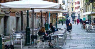 """Coronavirus, in Liguria didattica a distanza a rotazione da lunedì. A Genova quattro aree """"off limits"""". E a Roma e Torino stretta alla movida"""