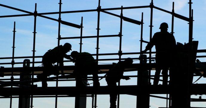 Incidente sul lavoro nella Bergamasca: operaio 46enne muore schiacciato da una lastra in cemento armato. Lascia moglie e due figli