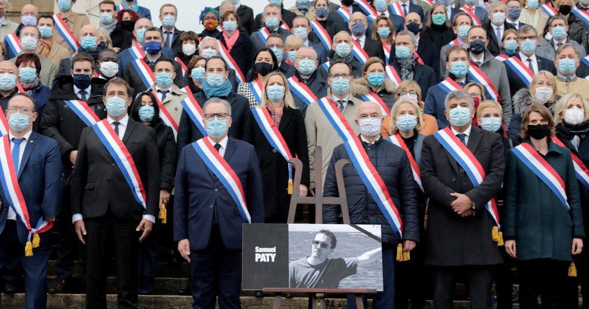"""""""A Parigi la gioventù ha tradito Maometto, crede solo a Google"""""""