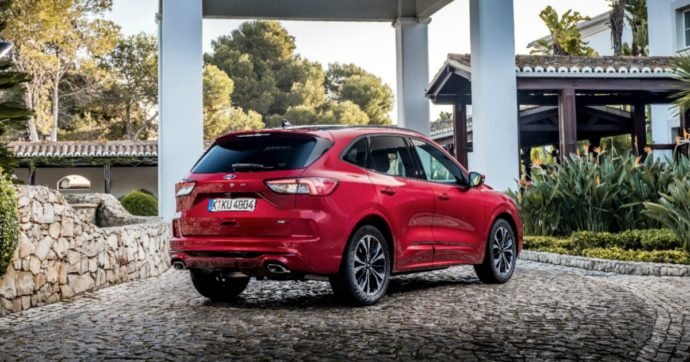 Ford Kuga Full Hybrid, non c'è due senza tre. E' arrivato l'ibrido che mancava