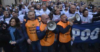 """Whirlpool Napoli, il 31 ottobre si chiude. Il ministro Patuanelli """"Prendiamo atto"""".  Provenzano: """"Grave e inaccettabile"""""""