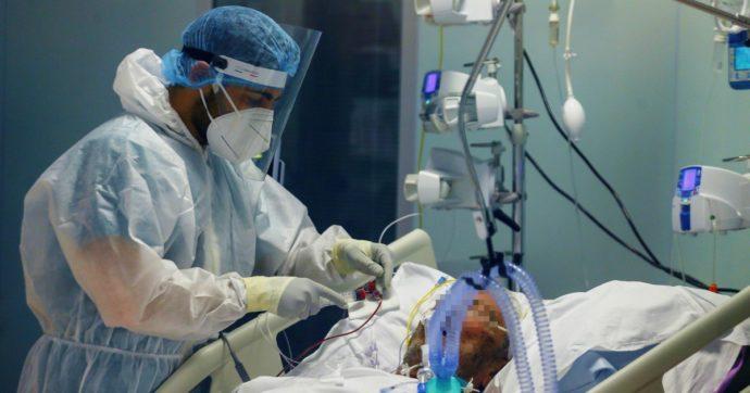 Covid, calano i nuovi contagi: sono 33mila, 2mila in meno di ieri con 8mila tamponi in più. Altre 623 vittime. Da marzo un milione di casi