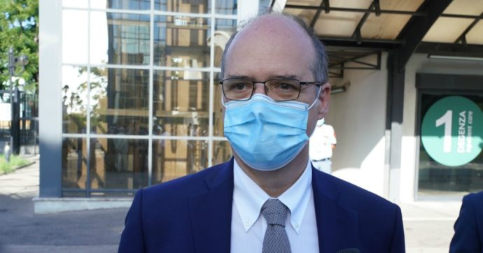 """Nicola Magrini, il direttore dell'Agenzia del Farmaco: """"Mi sono preso il coronavirus per un'imprudenza"""""""