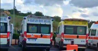 """Covid, ambulanze usate come camere di isolamento. """"Se fanno altro invece delle emergenze non ci sono per i soccorsi"""""""