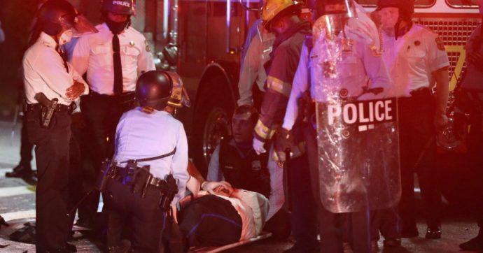 Usa, un altro afroamericano ucciso dalla polizia. Esplode la protesta a Philadelphia: scontri