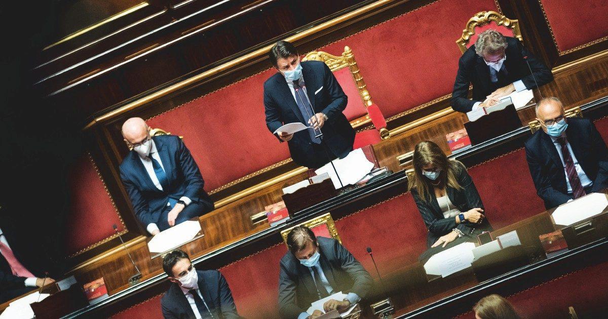 Il giorno delle accuse: Renzi e parte dei 5S contro Pd e Speranza