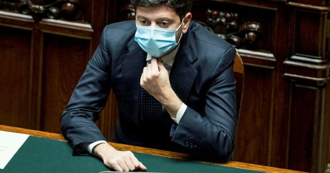 """Covid, ministro Speranza: """"Da gennaio campagna vaccinazione senza precedente"""". Zampa: """"A Natale possibili deroghe agli spostamenti"""""""