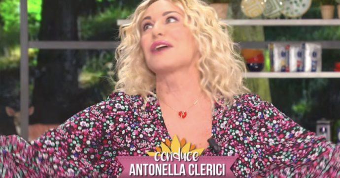 """Il riscatto della competenza, anche in tv: il caso di Antonella Clerici, """"messa in panchina"""" e poi tornata Regina della Rai"""