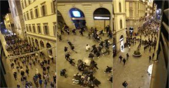 Firenze, scontri dopo la manifestazione contro le misure restrittive: la polizia carica i manifestanti nelle vie dello shopping. Il video