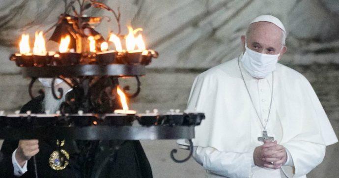 """Il Papa all'AdnKronos: """"Come sto? Faccio esami ogni anno. La corruzione nella Chiesa? Male antico, andare avanti e non fermarsi"""""""